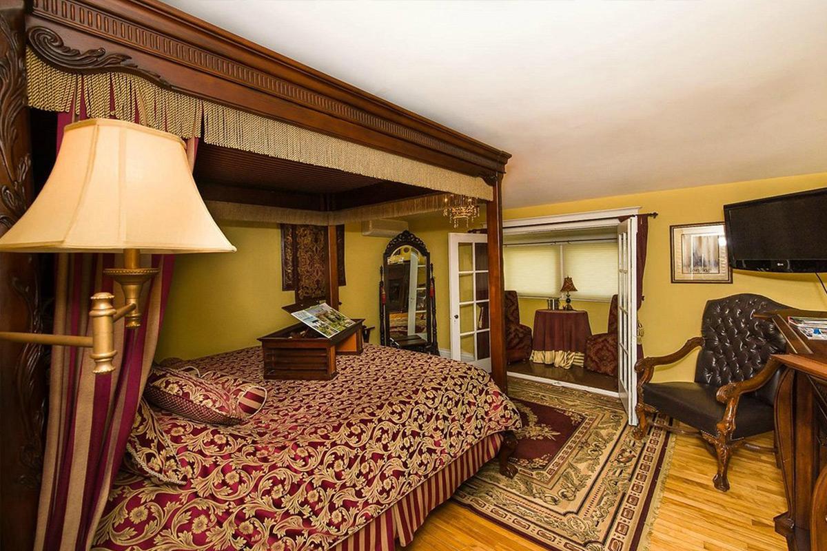 talwood manor room interior